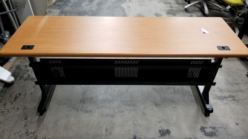 Pre-owned flip-top training table has maple laminate surface.