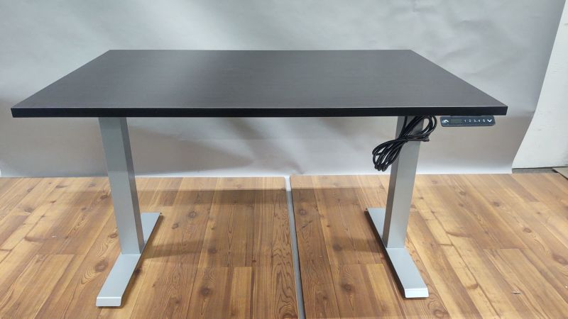 "NEW FDYHITE 30""D Adjustable Height Desk with Silver Base"