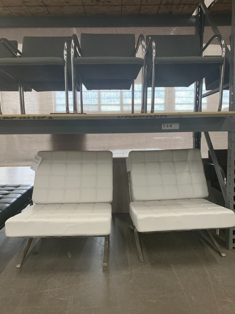 Pair of Replica Barcelona Lounge Chair (White)