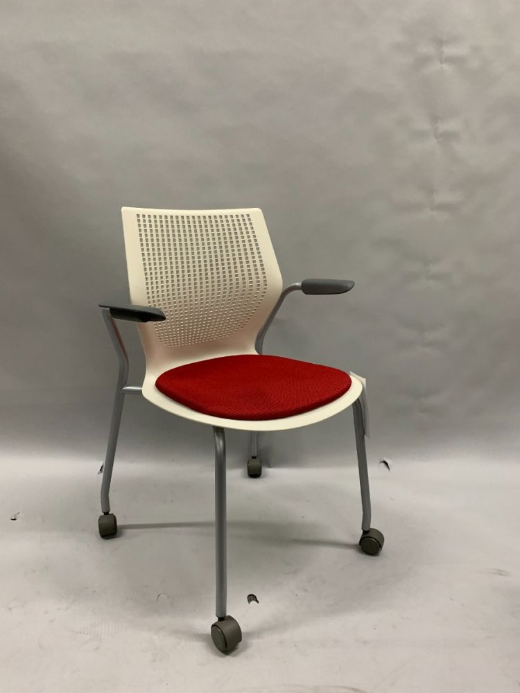 Knoll MultiGeneration Mobile Side Chair (Off White/Red)