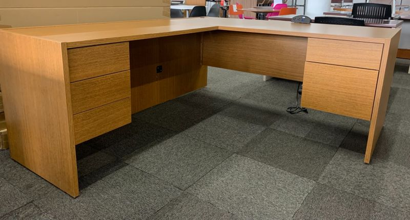 Steelcase L-Shaped Desk (Walnut) LH