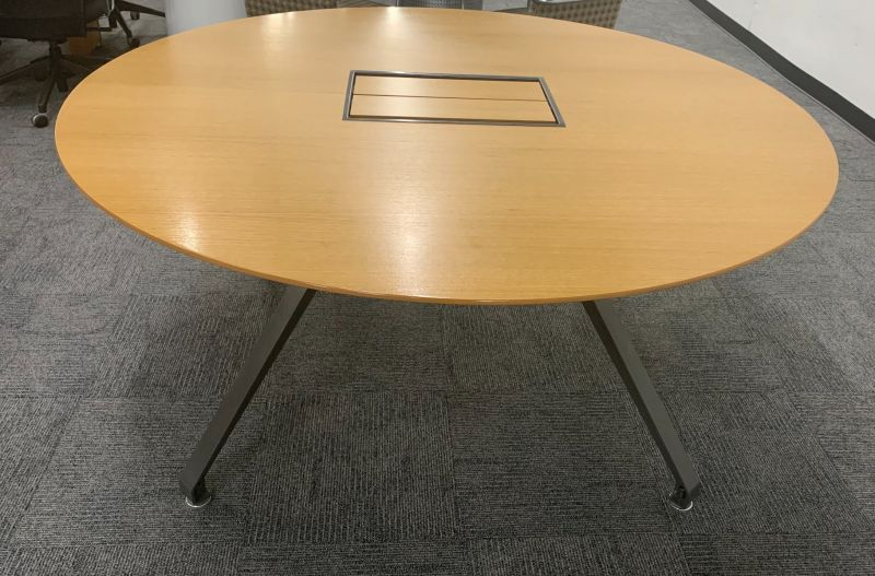 5.5' HPL Contract Round Conference Table w/ Power (Maple)