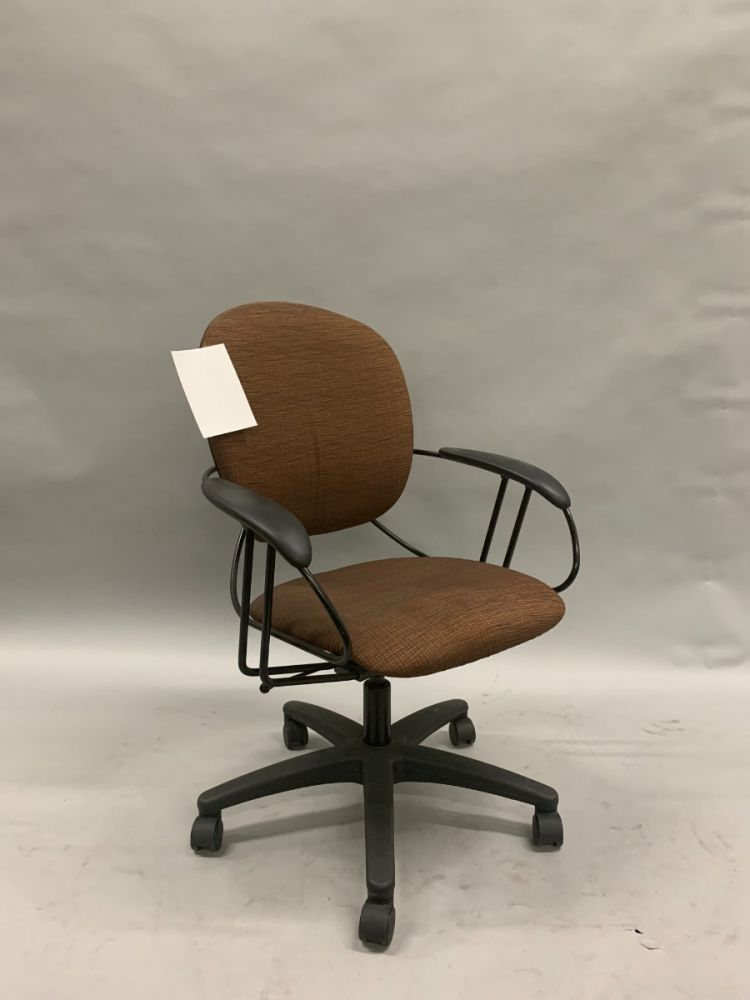 Steelcase Uno Conference Chair (Black Waves on Brown Stitch)