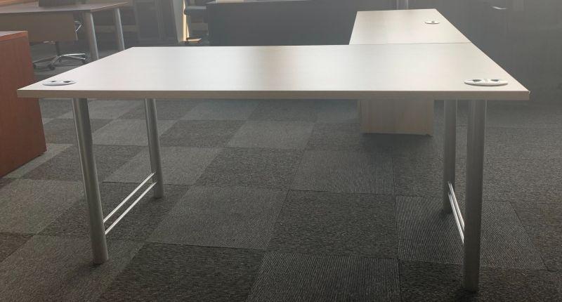 Tayco L-Shaped Desk (Maple Laminate) LH