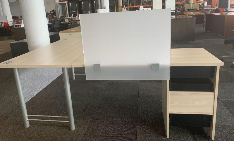 Tayco L-Shaped Desk w/ Screen (Maple Laminate) LH