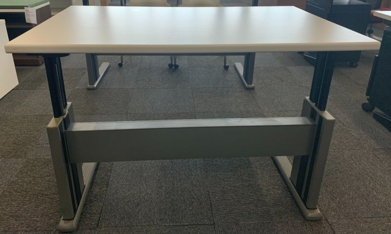 4' Knoll Adjustable-Height Training Table (White)