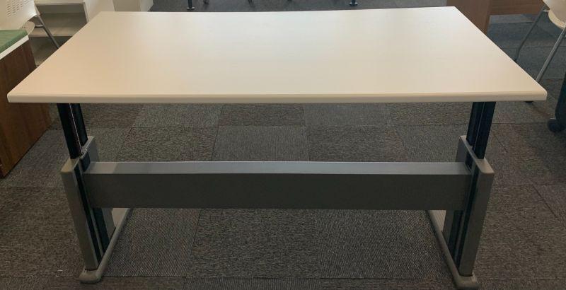 5' Knoll Adjustable-Height Training Table (White)