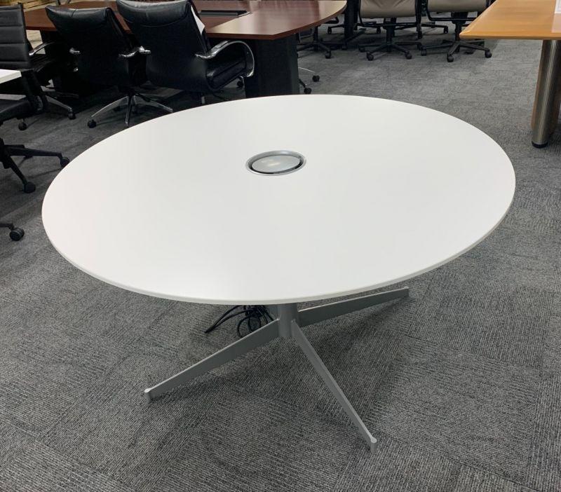 4.5' Herman Miller Round Teaming Table (White Laminate)