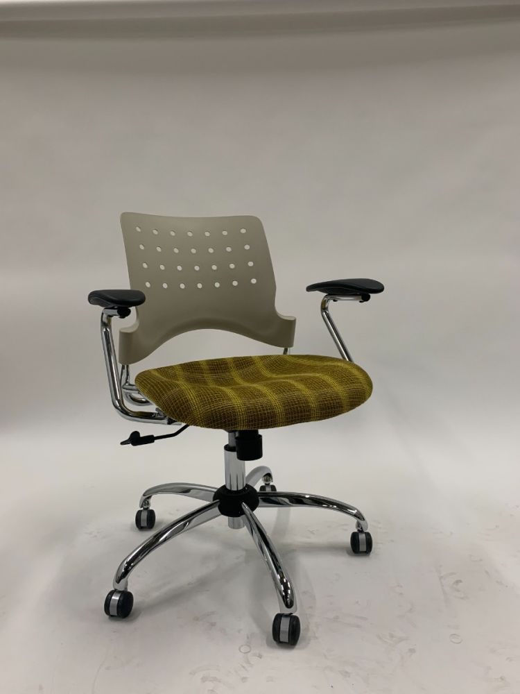 Safco Reve Square Back Conference Chair (Grey/Yellow Plaid)