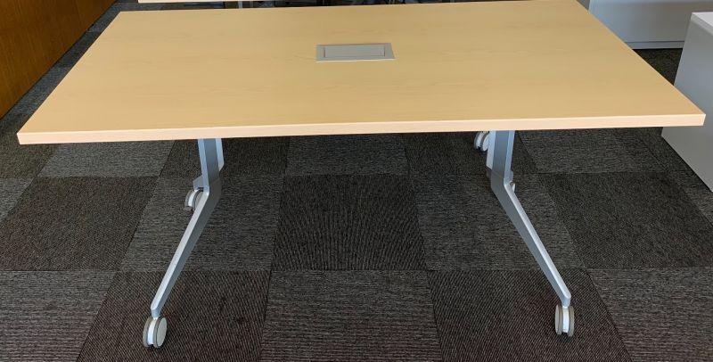 5' Haworth Flip-Top Mobile Training Table (Maple)