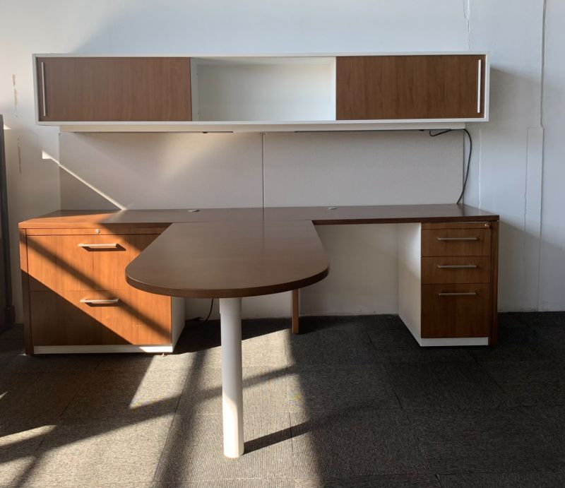 Haworth T-Shaped Private Office (Mahogany/White) 84 x 102