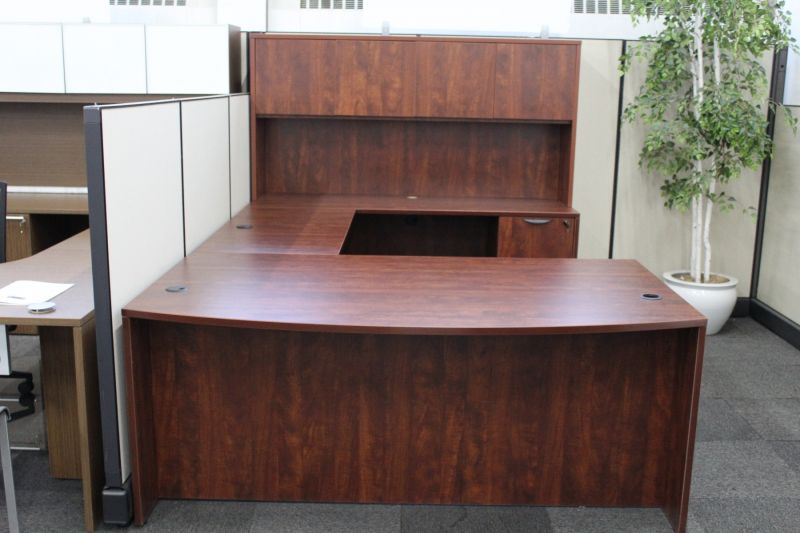 New Offices To Go U-Shaped Desk W/Hutch