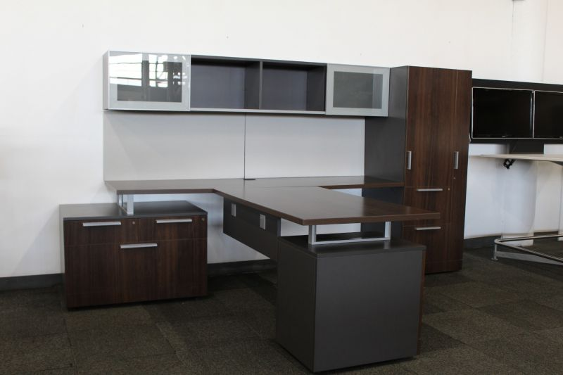 Allsteel Involve T-Shaped Private Office (Mahogany)