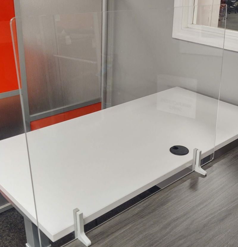2.5' Takeform Adjoin Partition (Clear Acrylic)