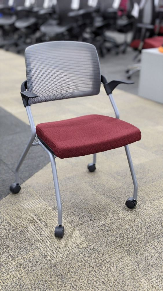Global Sprtiz Nesting Chair (Crescent Ruby)