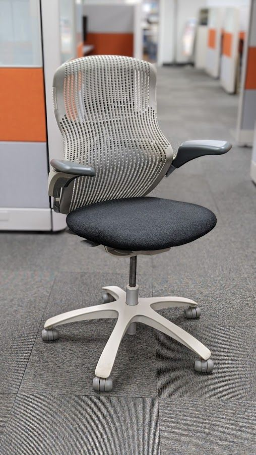 Knoll Generation Task Chair (Grey/Charcoal)
