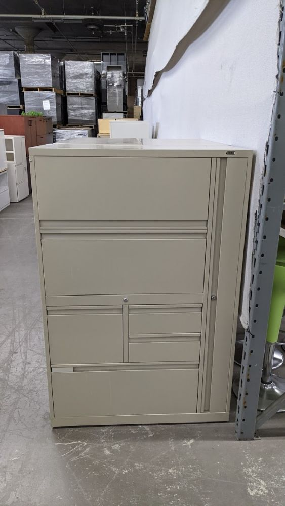 "54""H Global Evolve Storage Unit (Tan) RH"