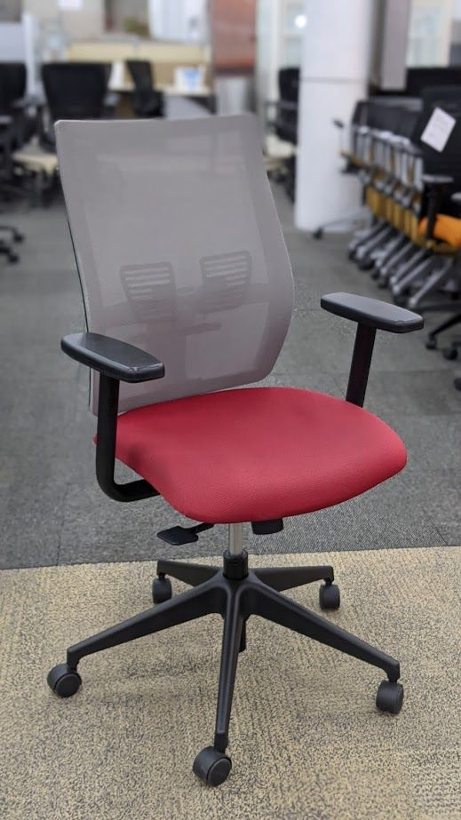 Lacasse United Affinity Task Chair (Light Grey/Red)