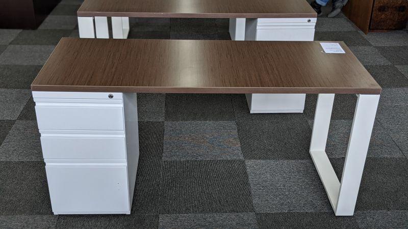 Single Pedestal Desk (Walnut)
