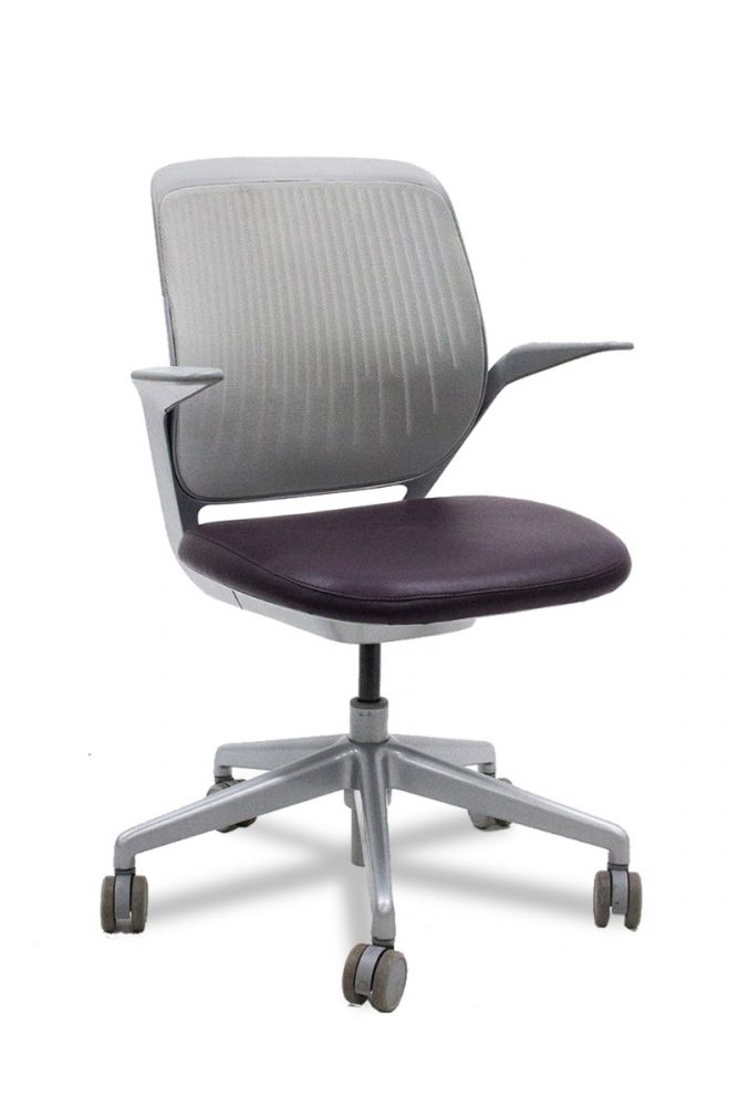 Pre-owned Steelcase Cobi conference chair has Nickel (5024) seat back, Abyss (BR12) vinyl seat and Platinum (6429)  five-star castered base.