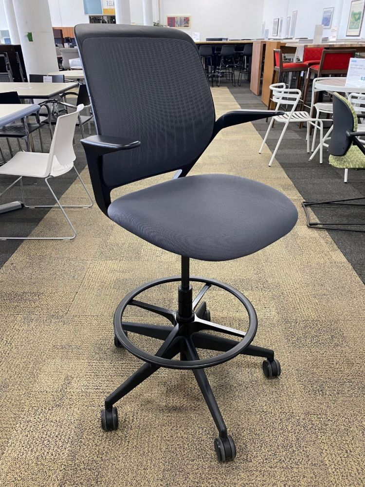 Steelcase Cobi Conference w/ Footrest (Charcoal)