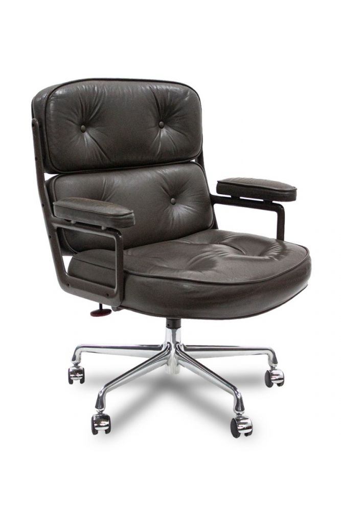 Pre-owned Herman Miller Eames Executive Chair has dark green upholstered body and armpads. With five-star castered base. Circa 1988. *SOME WEAR.