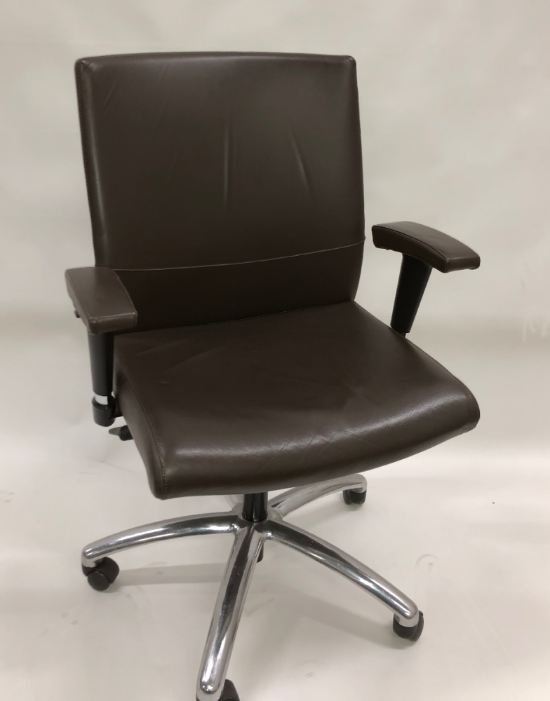 Stylex MX Conference Chair (Fundamentals Walnut)