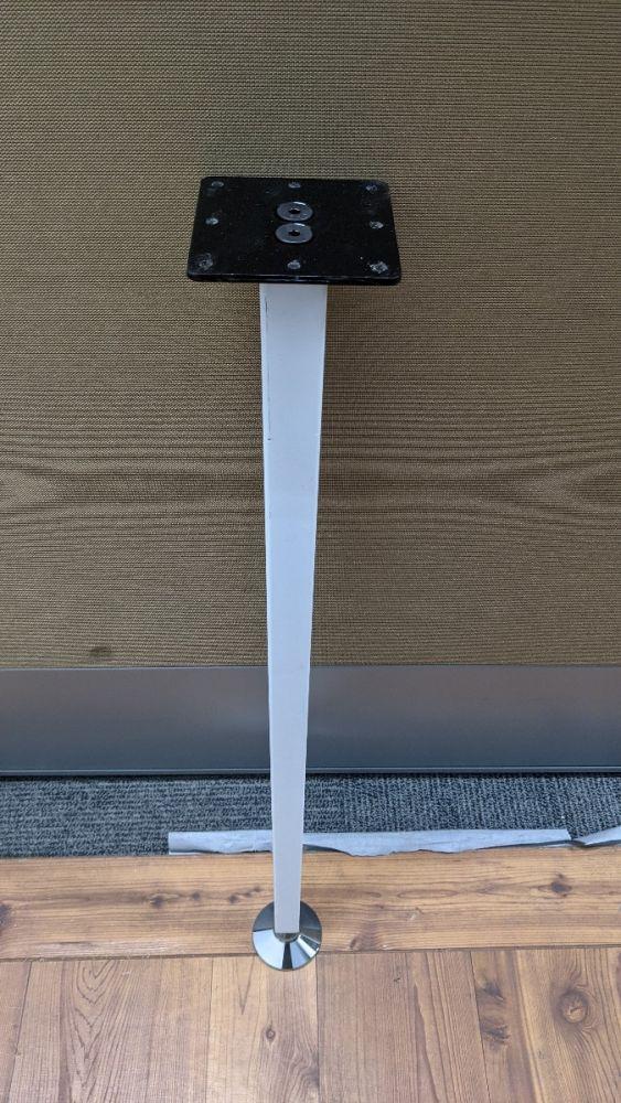 AIS square post legs