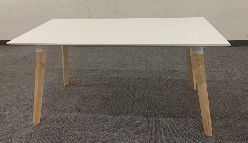 5' Safco Resi Table Desk (White Laminate)